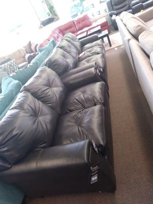 Sofa love seat for Sale in Brooklyn, OH