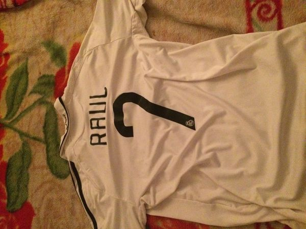new arrival 15c15 beb11 Real Madrid jersey Raul #7 with collar for Sale in Pittsburg, CA - OfferUp