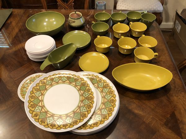 Plastic Dishes (perfect for kids or summer ) for Sale in Byron, CA ...