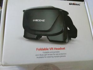 Virtual reality (vr) headset for Sale in Medina, WA