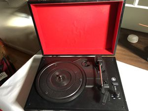 Record player and Bluetooth speaker for Sale in Manassas Park, VA