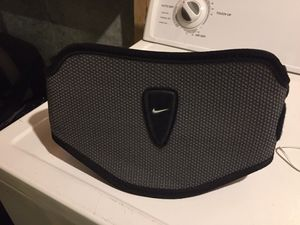 Nike weight lifting belt for Sale in Darnestown, MD