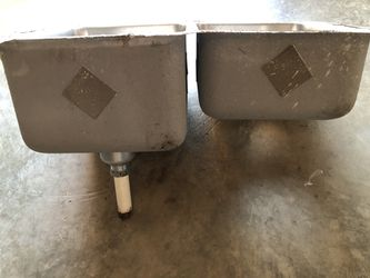 Kitchen Under-Mounted stainless steel double sink Thumbnail