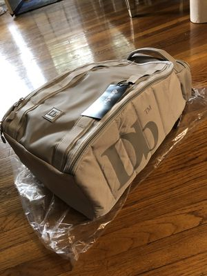 DB Hugger 30L Back Pack for Sale in Los Angeles, CA