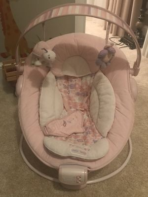 Bright Starts Bouncer Seat for baby girl for Sale in Brentwood, TN