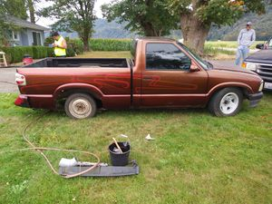 95 chevy s10 166,000 miles 5 speed runs and drives everything works but the turn signals $1,000 text {contact info removed} hablo espanol for Sale in Sumas, WA