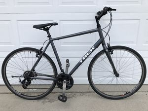5d876f8a3c2 Trek FX hybrid bike in great shape ready to ride bicycle for Sale in Los  Angeles