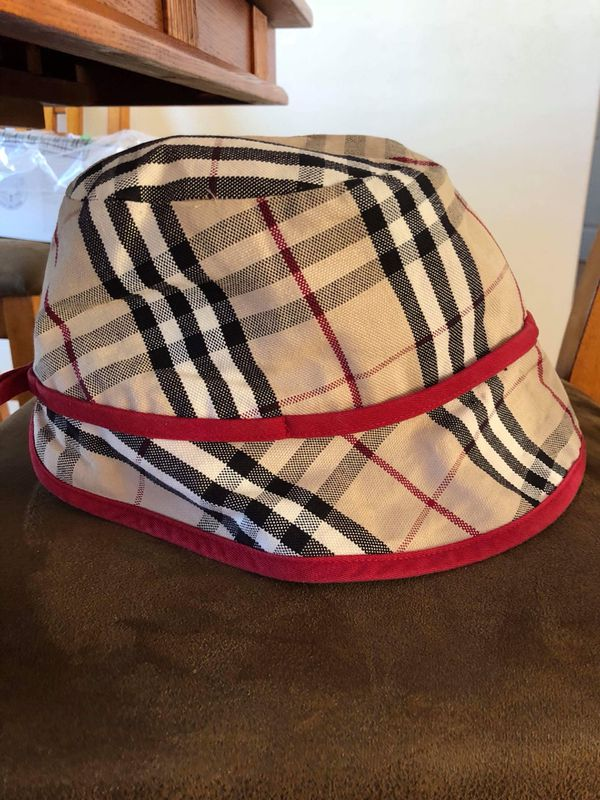 Burberry Hat Sunhat Bucket Hat for Sale in Chicago df32c591e