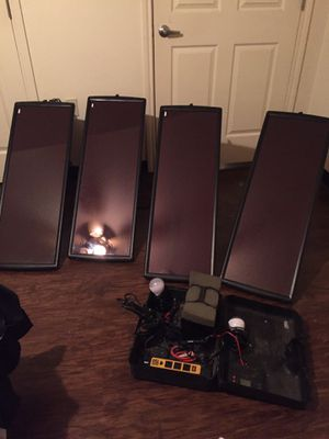 PORTABLE SOLAR PANELS W/BATTERY & ACCESSORIES for Sale in Dallas, TX