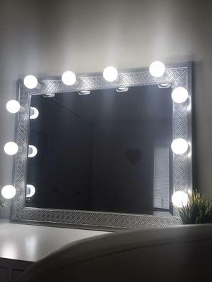 Photo New luxury professional makeup vanity mirror