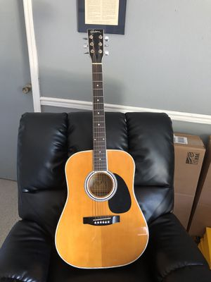 Beautiful Guitar in perfect condition with Amp plugin for Sale in Deltona, FL