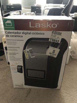 Lasko heater brand new for Sale in Chicago, IL