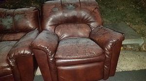 Free Sofa and Recliner for Sale in Chantilly, VA