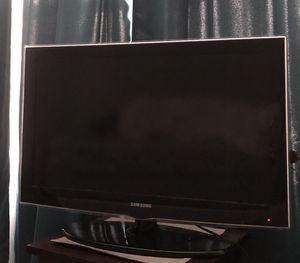 """Samsung 32"""" LCD HDTV for Sale in Frederick, MD"""