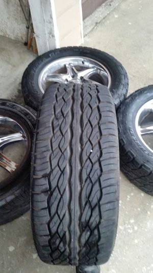 Photo Wheels and tires 20 6 lug Tahoe