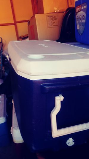 Coleman 120qt cooler large handles heavy duty for Sale in Westminster, CA
