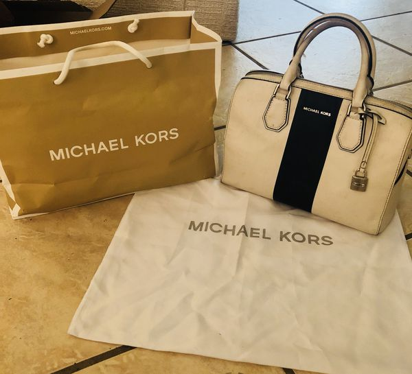 635e9d53e245e Authentic MICHAEL KORS BAG PRICE REDUCED for Sale in Tarpon Springs ...