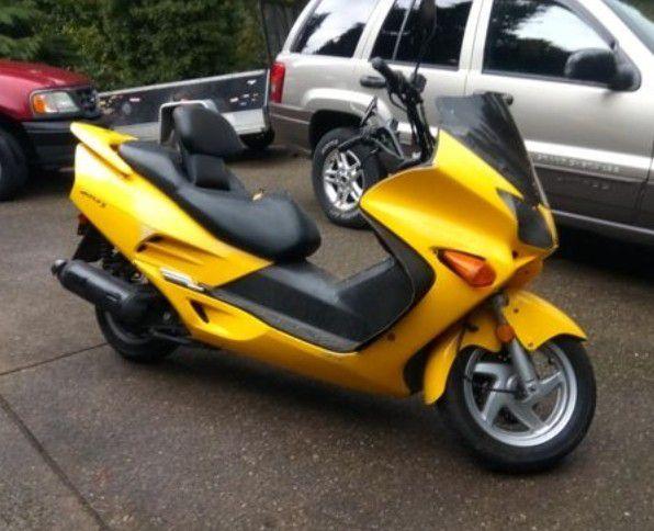 2003 Honda reflex scooter