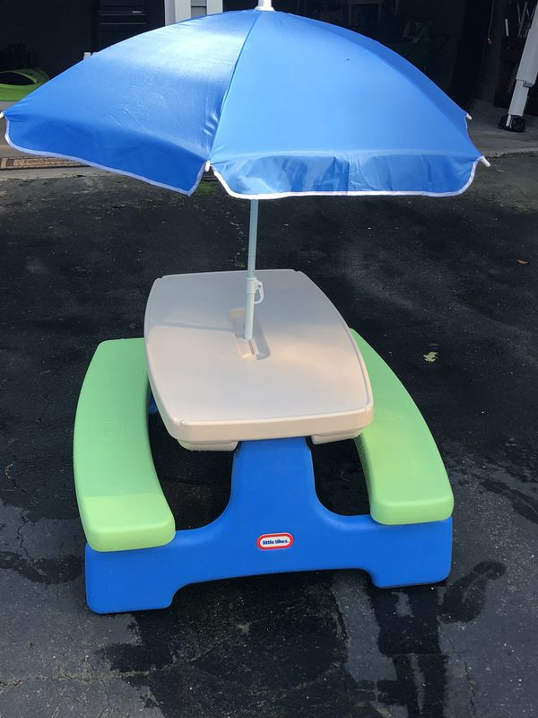 Little Tikes Picnic Table And Umbrella Excellent Condition For - Picnic table boat for sale