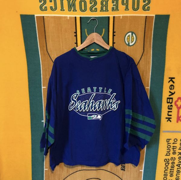 finest selection 38ced 58663 90's Vintage Seattle Seahawks Shirt Throwback Colors for Sale in Everett,  WA - OfferUp