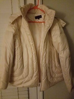 """Womens 1X Cream """"Puffy Ski Style"""" Coat for Sale in Wake Forest, NC"""