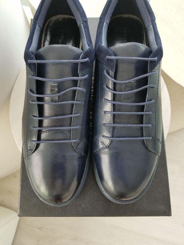 Navy Blue Low Top Fashion Sneakers, Size 13, Zanzara