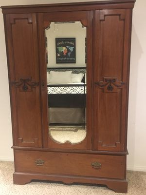 Antique Furniture Faithful 1860s Amoire With Glass Doors Factory Direct Selling Price Reproduction Cabinets