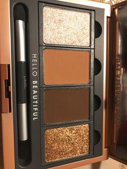 La vie chella eyeshadow palette Thumbnail