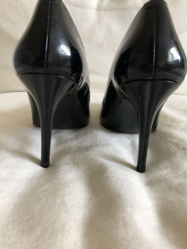 BCBG Size 7 black patent leather size 7 for Sale in Palm Beach Gardens, FL  - OfferUp