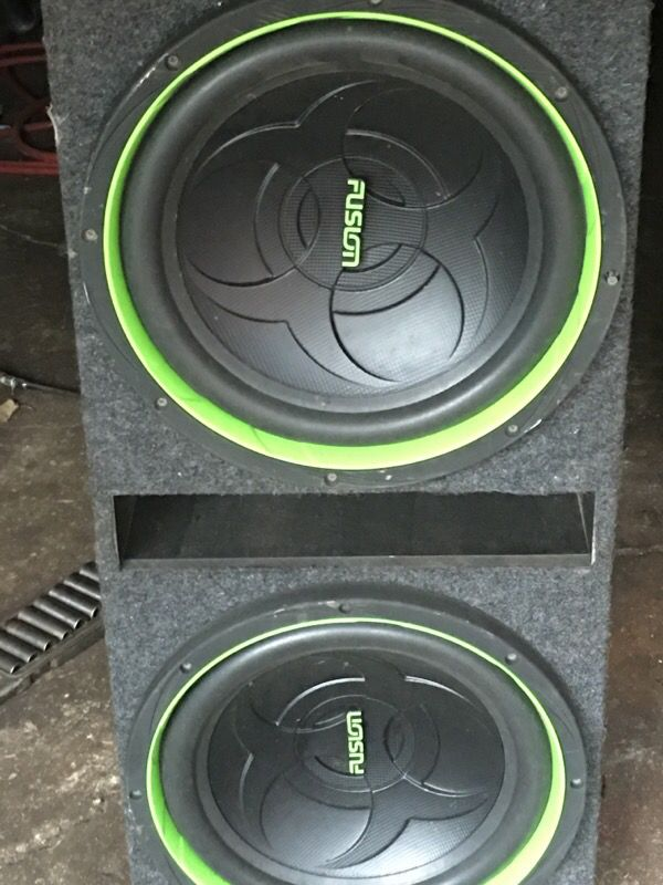 15 inch fusion speakers with box all most new