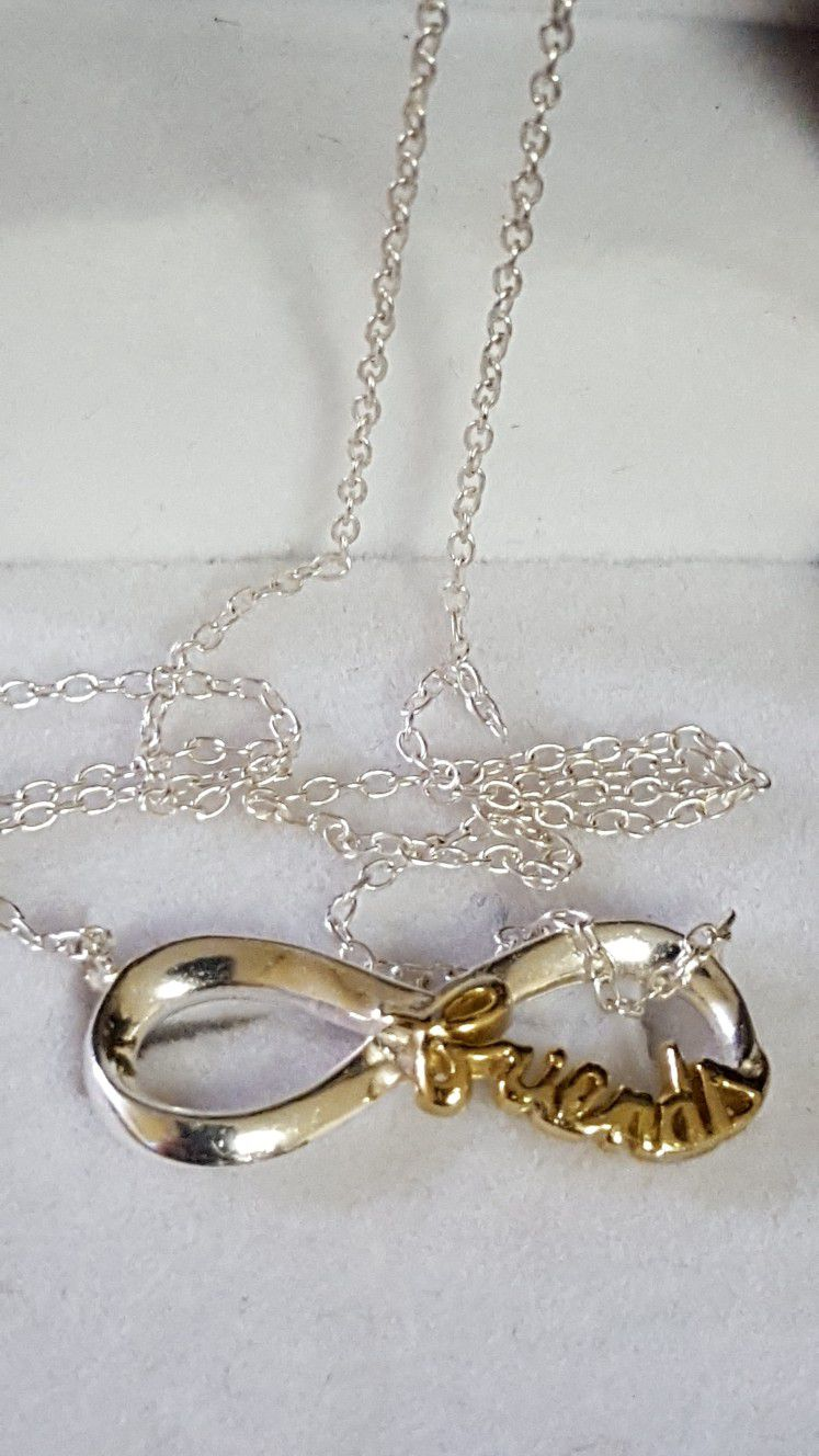 """Beautiful 925 Sterling Silver Italy necklace.  Pendant is covered in 10k GOLD, 2.29grs size 18""""inches long. (FRIENDS) please see pictures for details"""