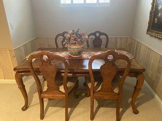 dining table set Thumbnail