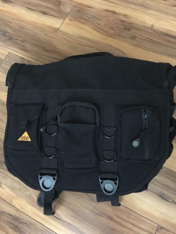 Bbp Hamptons Hybrid Messenger Backpack Laptop Bag Obsidian Black Xl For Sale In Charlottesville Va Offerup