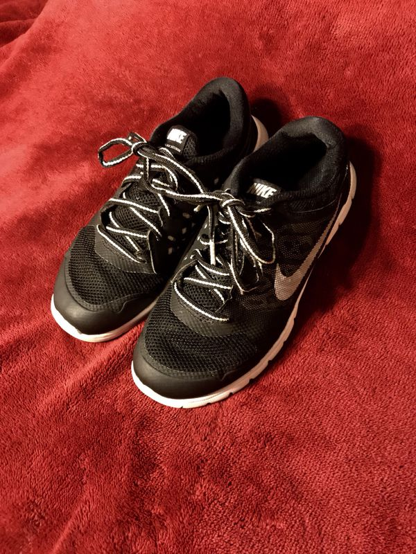 1639ed62995a Black NIKE Shoes Size 2.5 for Sale in La Mesa