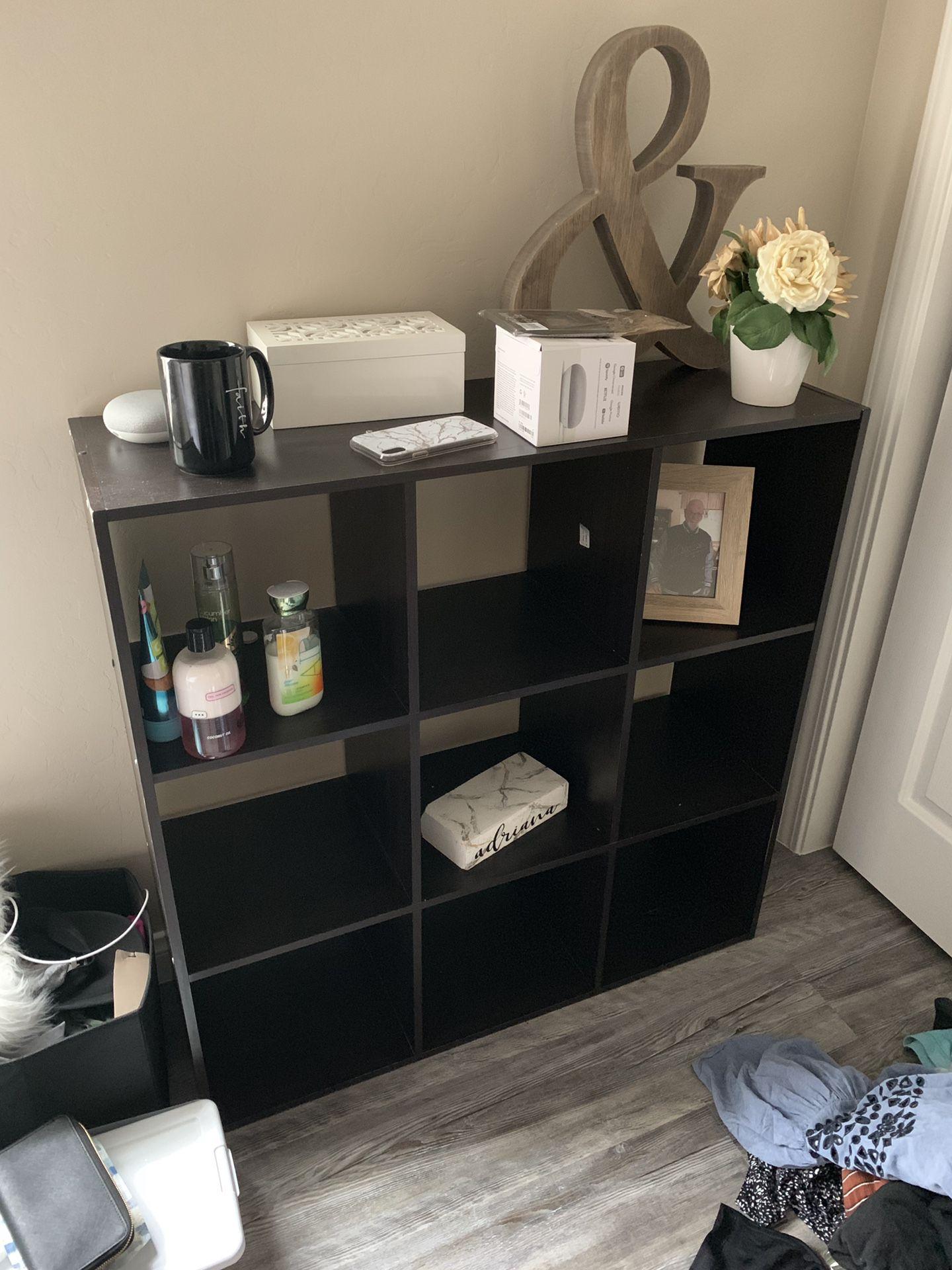 Storage shelfs