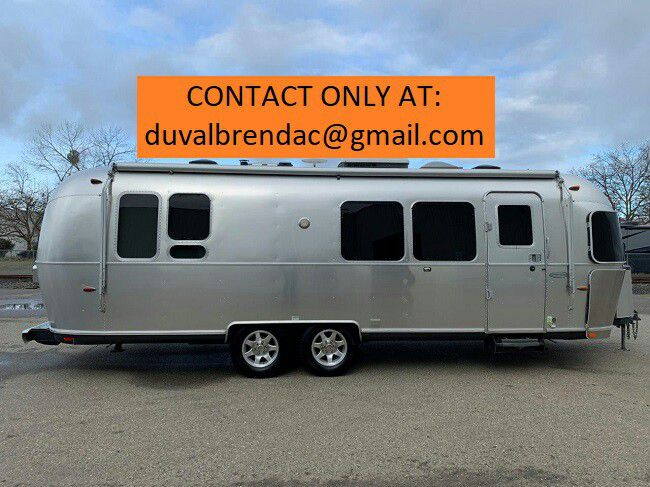 Photo bsrty2015 Airstream Flying Cloud 28 Camping Trailer RV