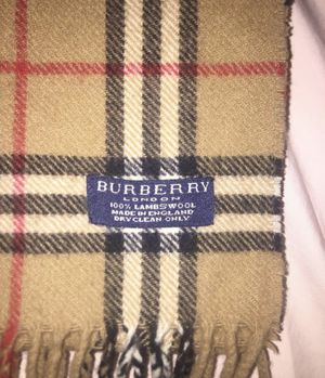 Burberry scarf for Sale in North Potomac, MD