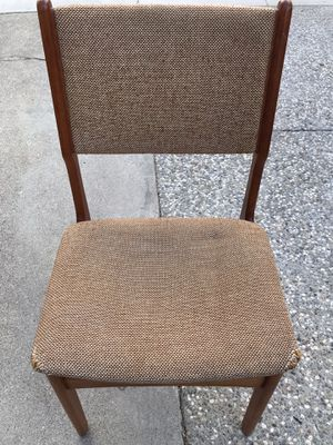 Photo Mid century D-scan chair