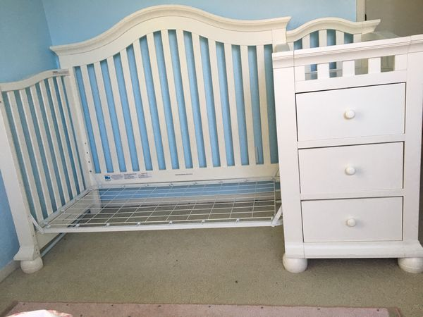 Sorelle Cape Cod 4 In 1 Crib And Changer French White For Sale In