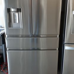 SAMSUNG STAINLESS STEEL FRENCH DOORS REFRIGERATOR Thumbnail