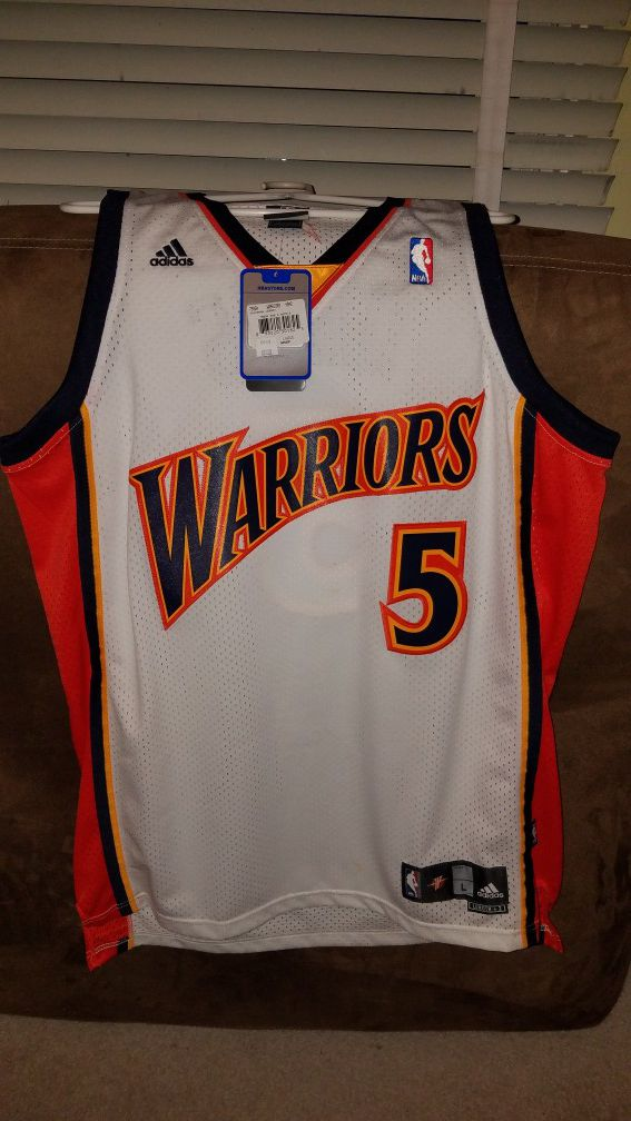 13c5ea8aed7 Adidas warriors baron davis jersey size Large with tags for Sale in Daly  City