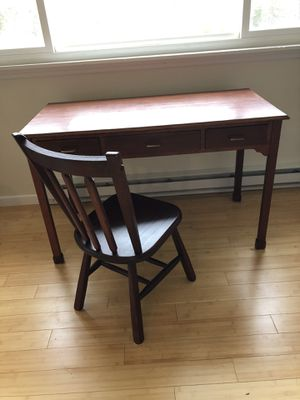 Photo Solid Oak Desk (3 drawers) and Chair
