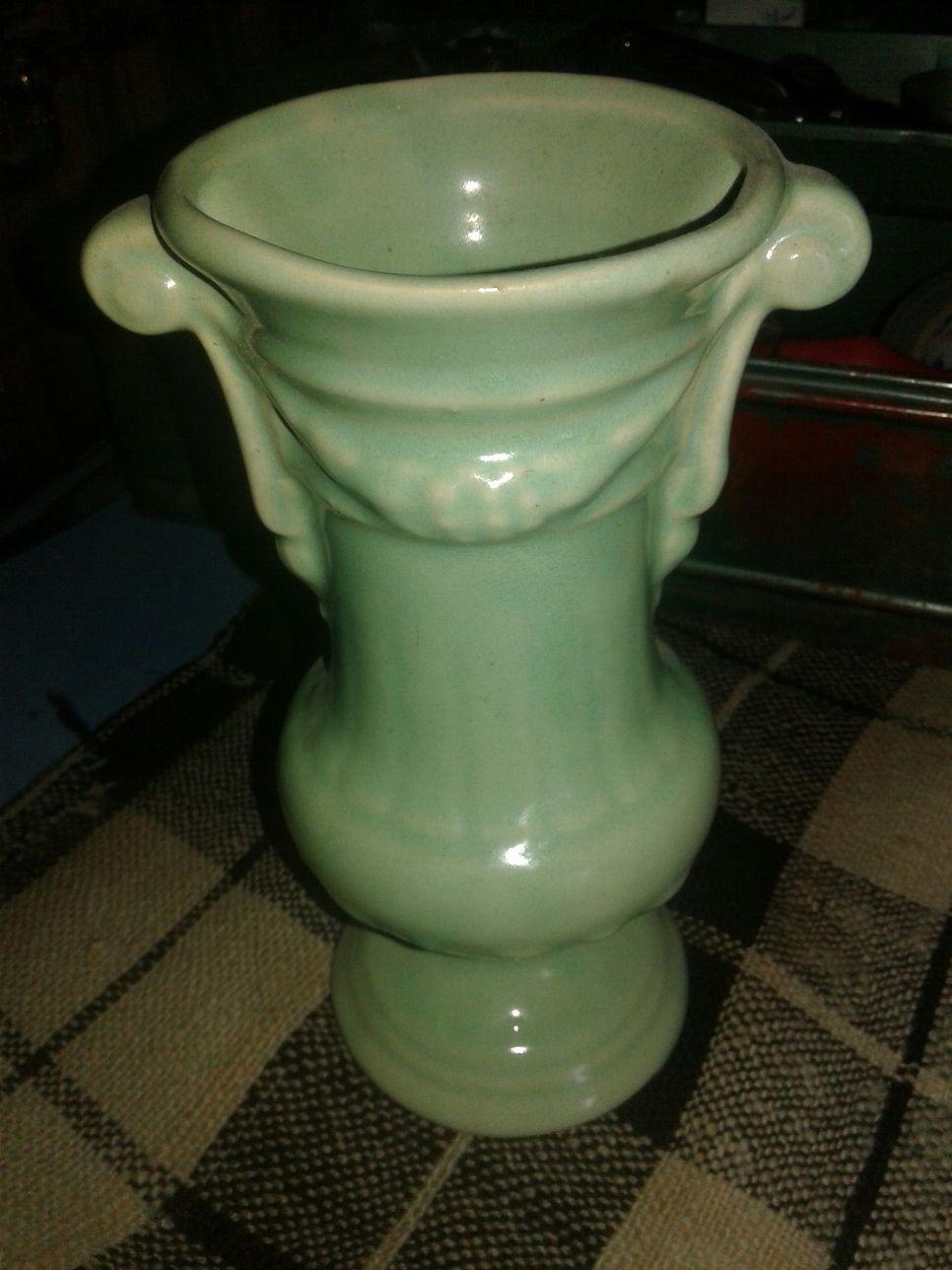 Beautiful green McCoy pottery vase