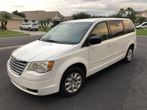 2009 Chrysler Town and Country in good working condition with 171036 miles on it, front-wheel drive, 3.3-liter engine, 7 passengers. Solid well-groom for Sale in Kissimmee, FL
