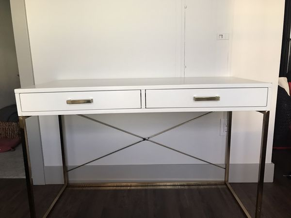 Pottery Barn Tinsley Desk For Sale In Bellevue Wa Offerup