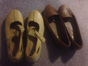 Ladies size 10 leather shoes for Sale in Martinsburg, WV