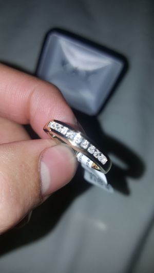 14k Yellow Gold pre owned 1/6 Carat diamond ring for Sale in Orlando, FL
