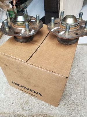 Photo HONDA PRELUDE 97-01 OEM REAR HUBS USED!!