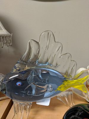 HANDBLOWN GLASS FISH COLLECTABLE for Sale in Leesburg, VA