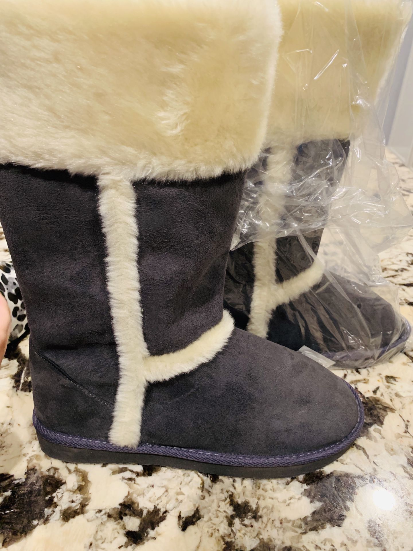 Boots size 10 brand new